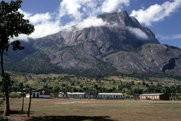 Splendeurs Au Sommet Du Malawi -