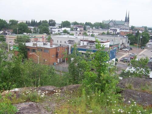 Une vue sur le centre-ville de Jonquière en juillet 2008