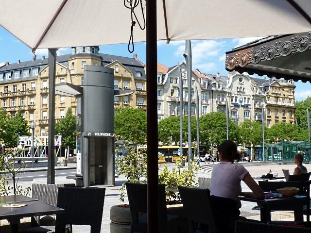 La fille au restaurant à Metz 3 Marc de Metz 2011