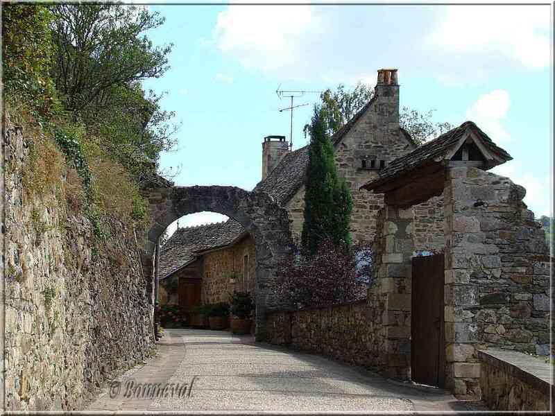 Najac Aveyron rue de la bastide