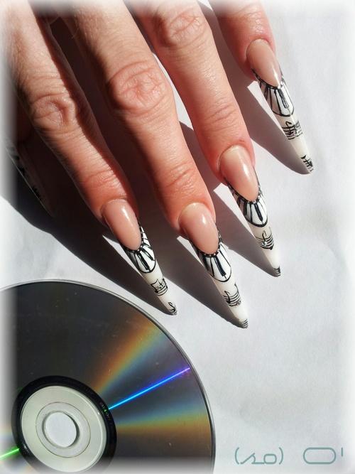 Pose résine: Stillettos XXL fête de la musique