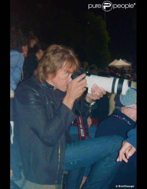 Richie Sambora assiste au match de football auquel sa fille participe en tant que pom-pom girl 10/28/2012
