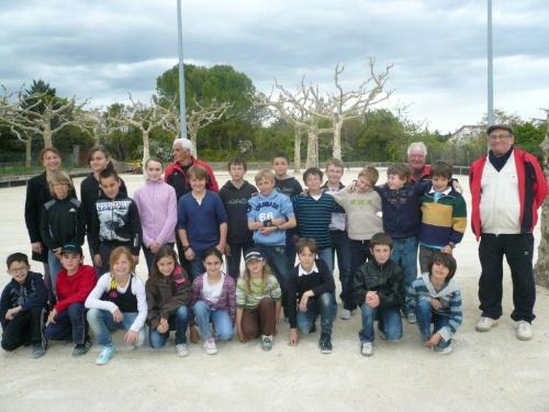 Initiation dans les ECOLES AVRIL 2012