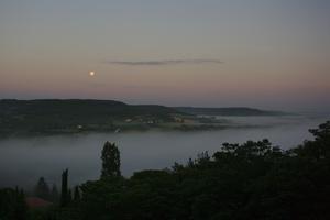 Pleine Lune et mer de nuages