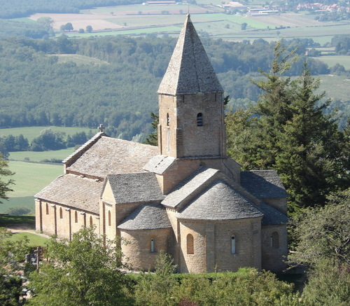 L'église Saint-Pierre de Brancion