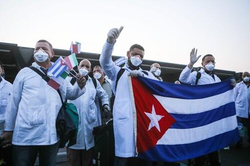 Coronavirus: les médecins cubains s'exportent à travers le monde