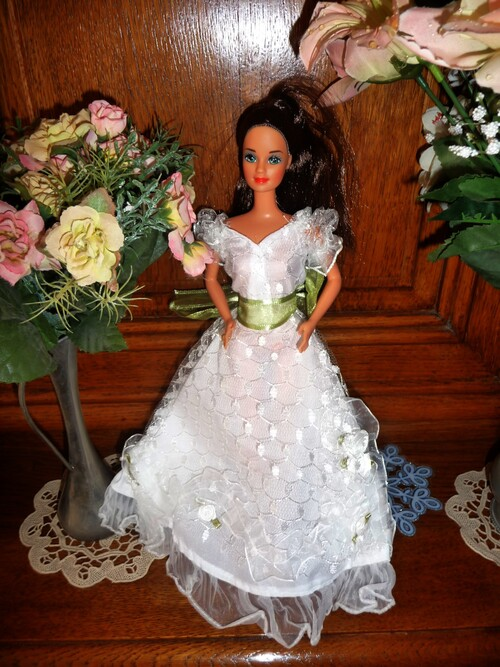 DEMOISELLE D'HONNEUR (6) (BRIDESMAID) (6))