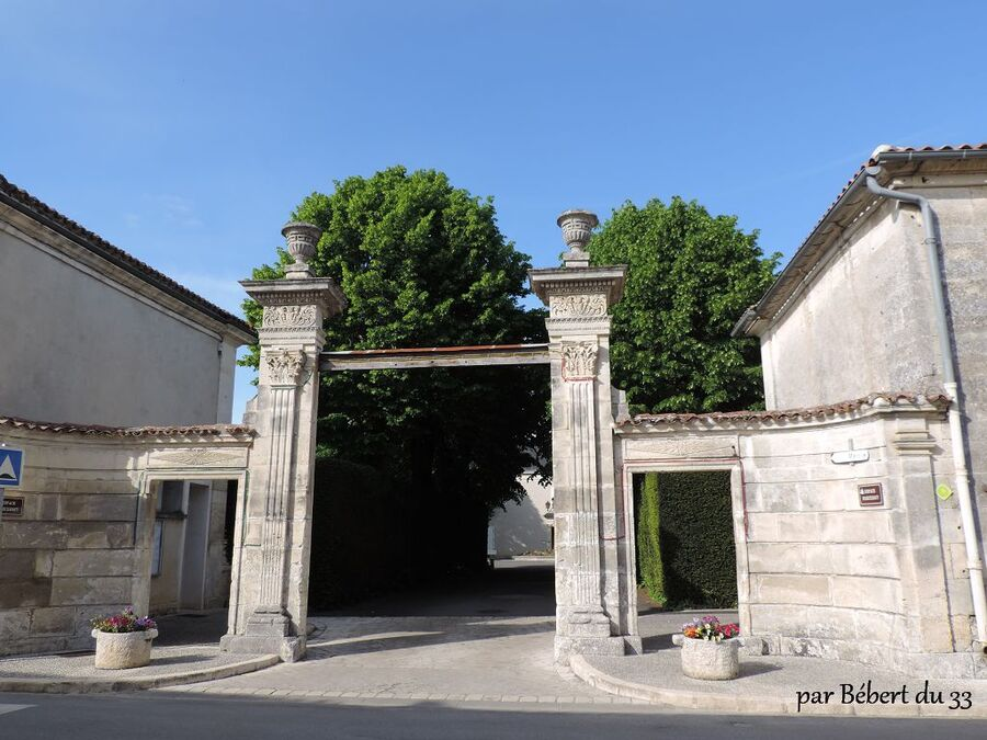 la mairie de Bassac dept (16)