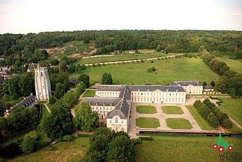 Bec-hellouin--Le--Abbaye-Vue-2-_-Y.-Waucampt.jpg