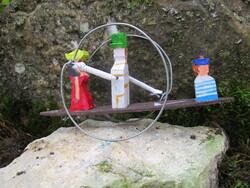 """0A680  La pirogue : le """"jouet"""" d'un artiste"""