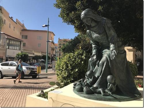 La statue qui fâche à Menton. NICE-MATIN