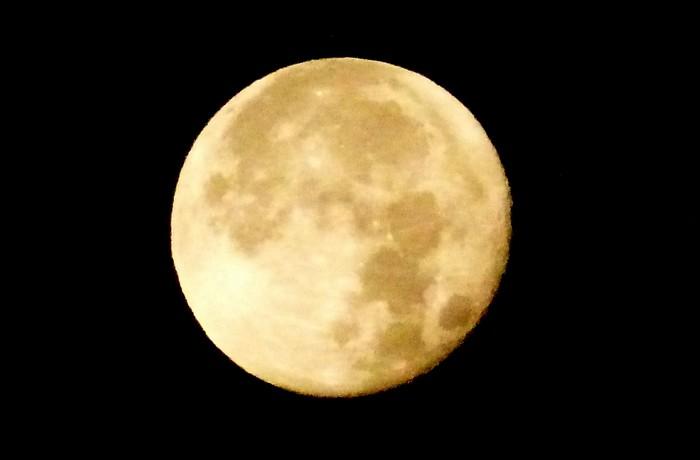 Entre autres ... la lune !