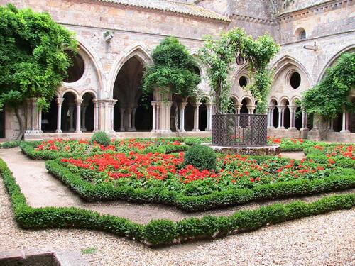 L'Abbaye St Marie de Fontfroide !