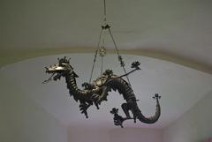 PTUJ salle du chateau - lustre dragon