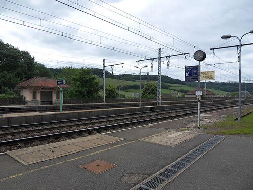 La gare de Verrey côté voies!