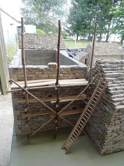 Les constructions miniatures de Jean-Marie Déchaud à Poiçon les Larrey...