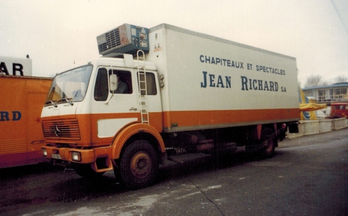 camion frigo du groupe Chapiteaux Spectacles Jean Richard ( archives Raymond Marti)