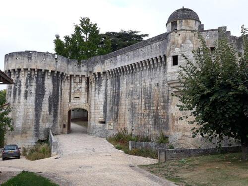 L'entrée des châteaux