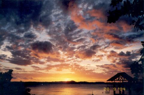 couchers de soleils  par  22 ° 16' Sud- 166°26' Est,
