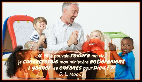 DL Moody interpelle les Moniteurs