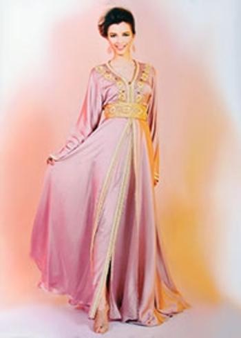 takchita haute couture marocain pas cher caftan sans manches et brodorie doré TAK-S834