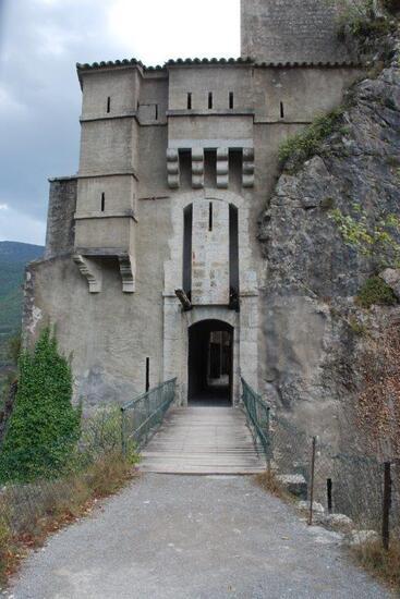 Porte et pont levis