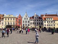 CONTINUONS à découvrir LES PAYS BALTES Parnü,Riga,Tallin