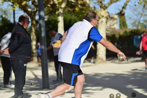 Quelques Photos de Gregory Bourdier que la boule de Villeneuve de Berg Remercie du 7/8 octobre 2017