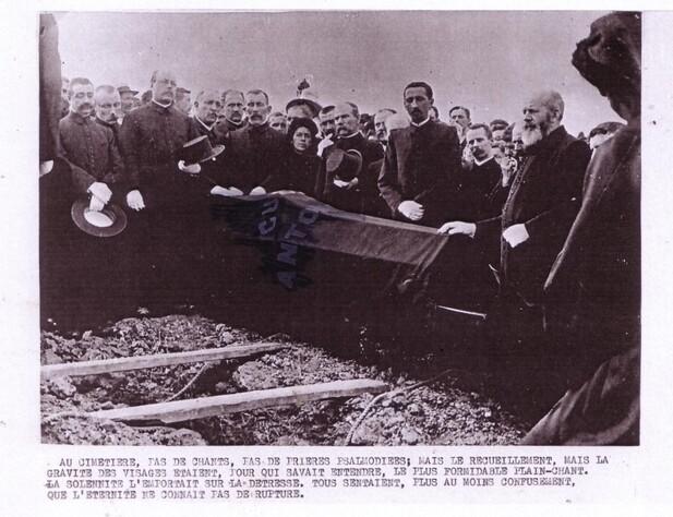 Funéraille du Père - mise en fosse (Roland AE Collignon)