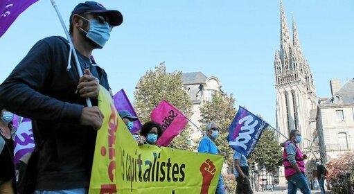La manifestation a rassemblé moins de 300 personnes à Quimper.