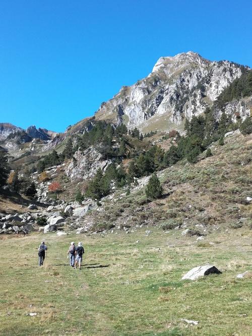 Roc Blanc, le géant du Donezan. Club de randonnée des hautes Corbières