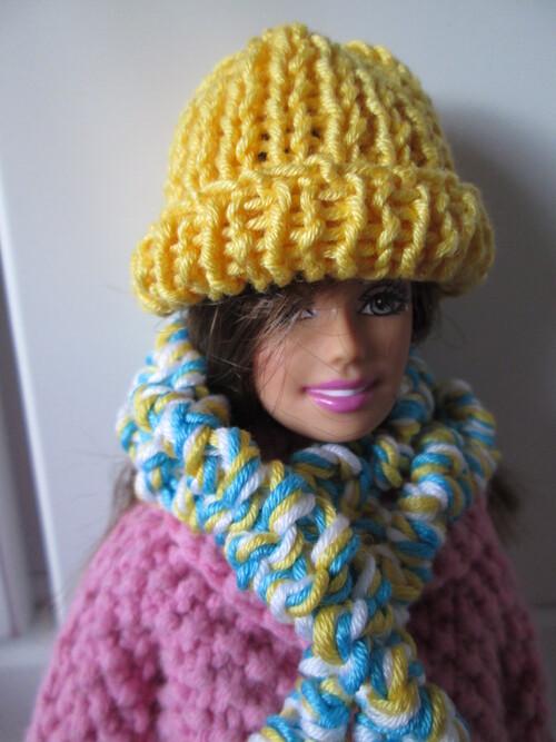 Bonnets et écharpes pour barbie