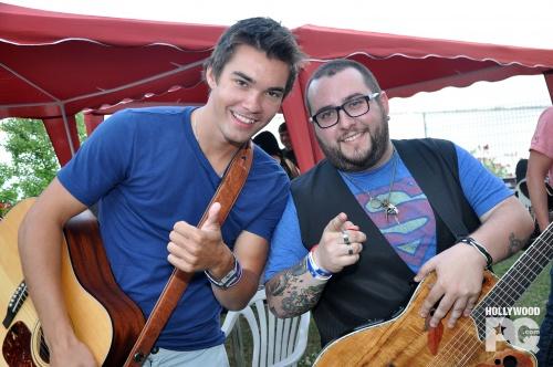 Jason en coulisse du spectacle bénéfice pour le Lac Mégantic à Lavaltrie