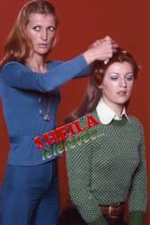 Janvier 1973 : Sheila se fait mettre en plis par Hélène !!!