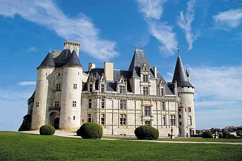 chateau de la rochefoucauld imagelarge