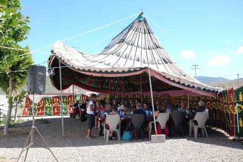 Une des tentes