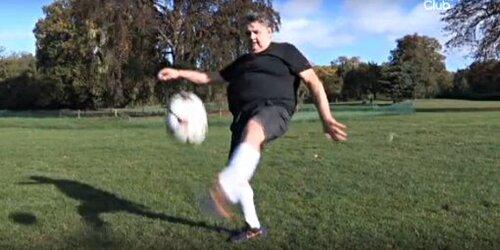 Menès réussit 10 jongles : Patrice Evra va-t-il arrêter sa carrière ?