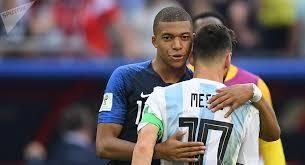 En un match de Coupe du Monde Mbappé a déjà fait plus que Ronado et Messi .