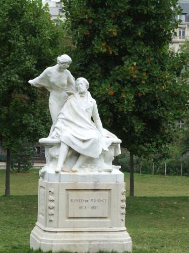 statue-femme-Musset-by-failing-angel.jpg