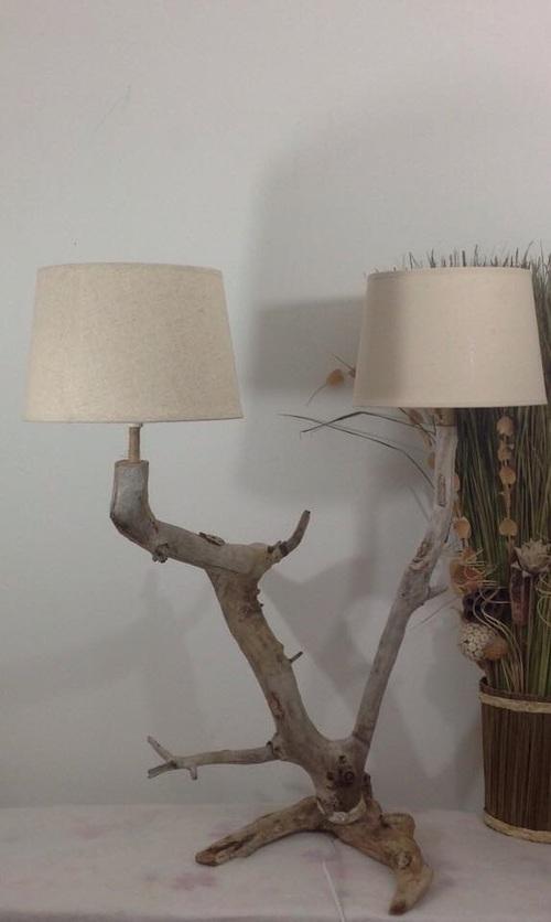 lampe biscornue en bois flotté