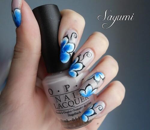 Nail Art fleur bleue en one stroke