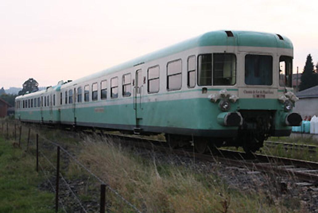 X2700