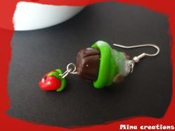 Boucles d'oreilles cup-fraise