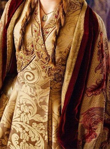 L'évolution du look de Sansa Stark