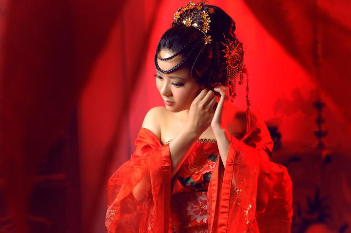 中国古装红衣美女