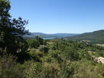 On commence à découvrir le lac de Sainte-Croix