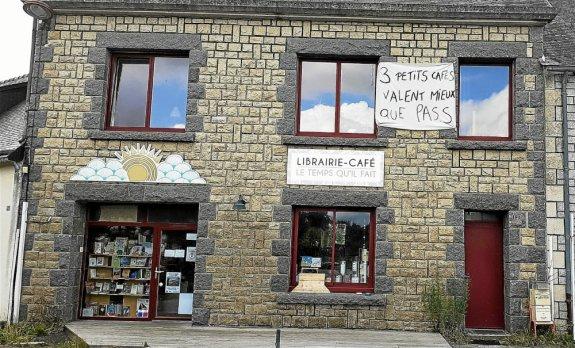 Les trois cafés de Mellionnec, village de 400 habitants, partent en guerre contre le pass sanitaire. Lundi, ils ont fermé leurs portes, symboliquement.