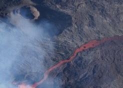 Eruption: Des fontaines de lave de 40 à 50m de hauteur