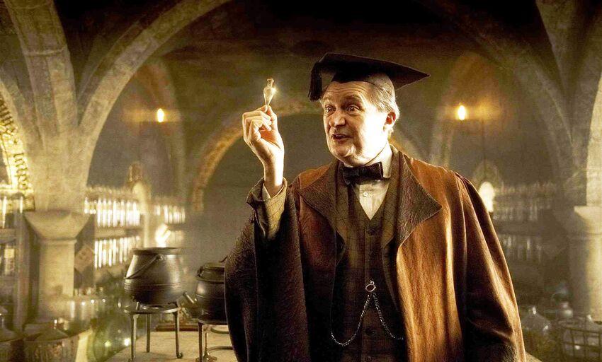 La légende de Harry Potter, Jim Broadbent, quitte la Maison Serpentard pour les Sept Royaumes de Game of Thrones