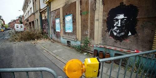 Wolu1200 : Des chutes de briques chaussée de Roodebeek